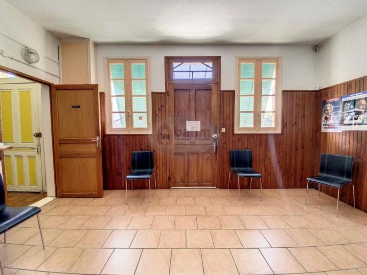 Property for Sale in Offices and Apartment, Hautes-Pyrénées, Castelnau-magnoac, Occitanie, France
