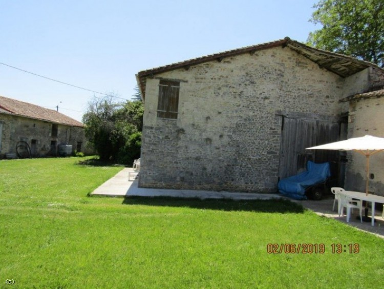 Property for Sale in Old Stone House With 3 Bedrooms and Barns On 2.5 Acres Near Civray, Vienne, Civray, Nouvelle-Aquitaine, France