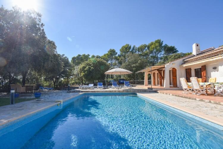 Property for Sale in Villa in Lorgues, Var, Provence-Alpes-Côte d'Azur, France