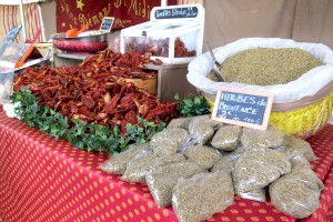 Market in Provence ©Sylvia Davis