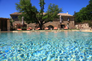 Gîtes in France with swimming pool