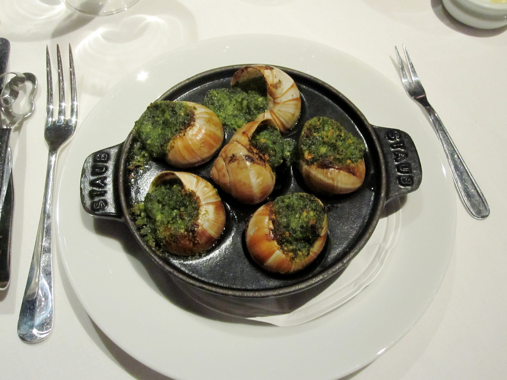 escargots la bourguignonne burgundy snails recipe. Black Bedroom Furniture Sets. Home Design Ideas
