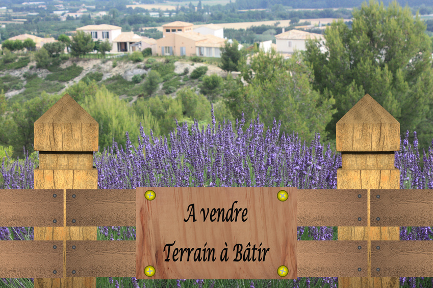 Buying a plot of land in France ©Mimon