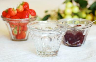 Strawberry jam bowls