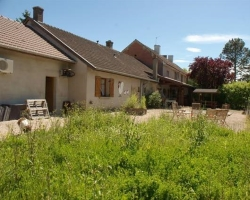 Villa in Burgundy with an acre
