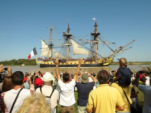 L'Hermione leaves Rochefort