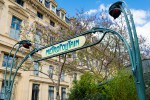 Metrostation Paris sign