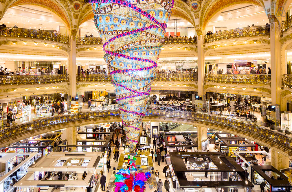 Galeries Lafayette AIrbnb promo Soldes sleepover
