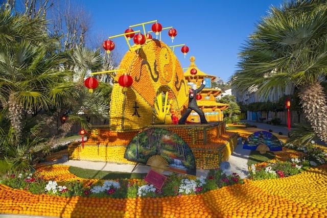 Menton festival lemon float