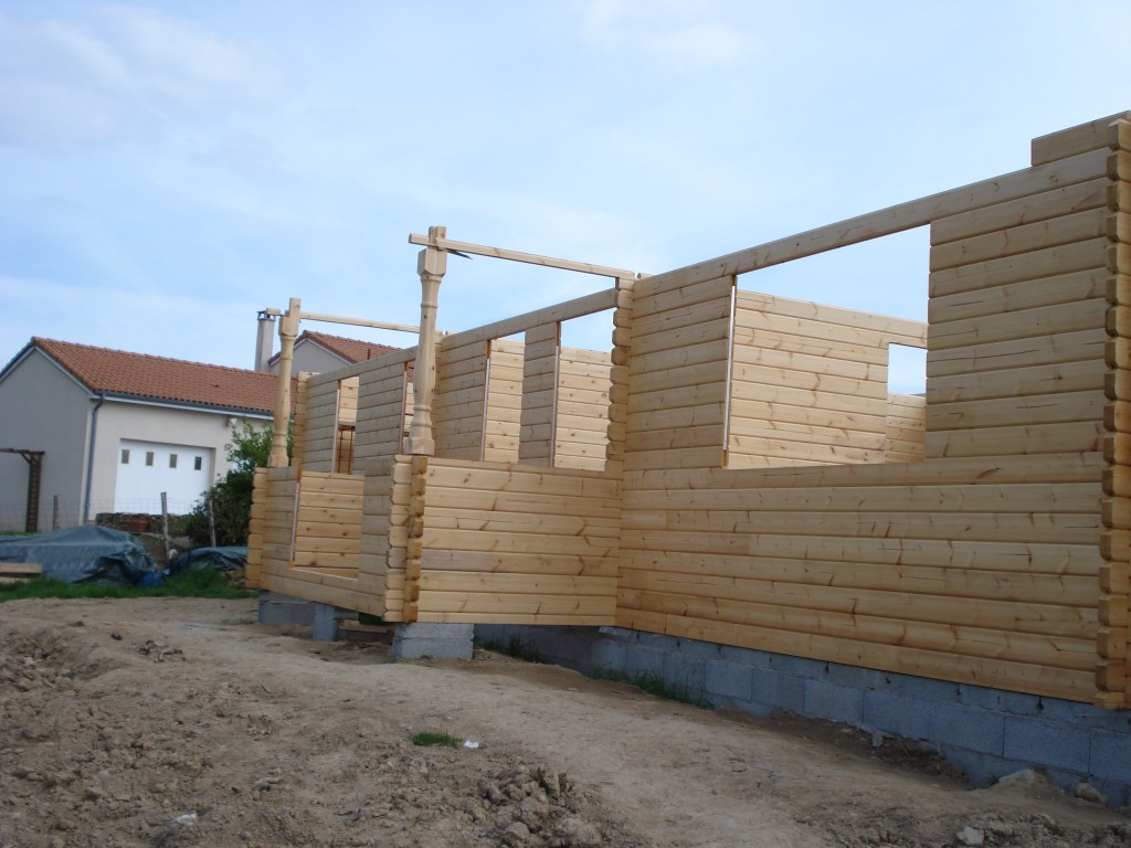 Log cabins and eco friendly property in france frenchentree for Log construction