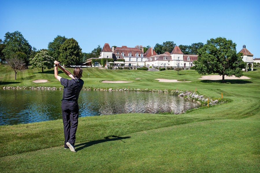 7 great places to play golf in france
