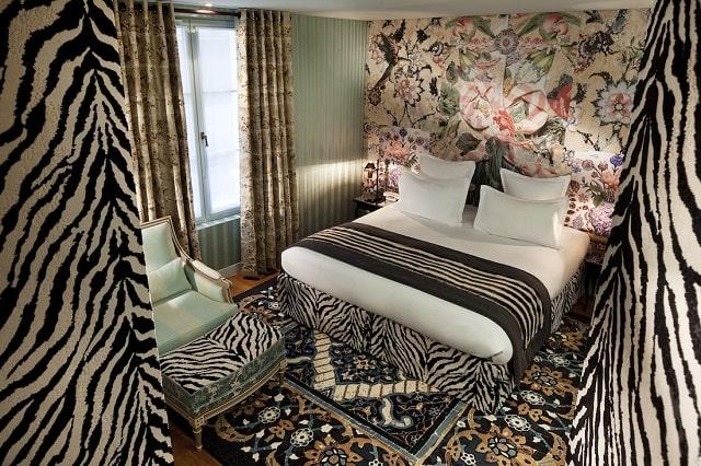 Hotel Du Petit Moulin Paris