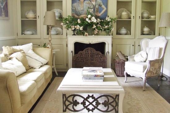 Sharon Santoni salon in house in France