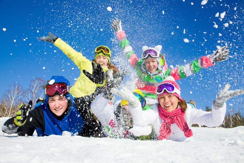 Skiing in France ©Yanlev