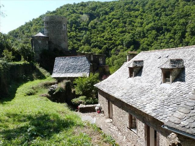 Aveyron, superb medieval village house
