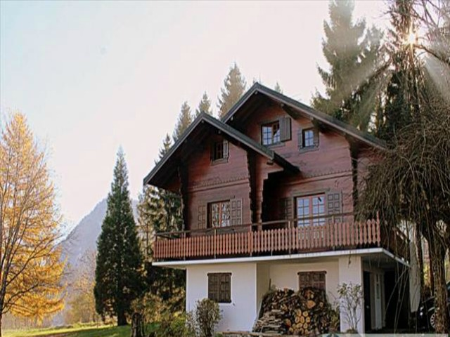Alpine chalet with Lake Geneva view