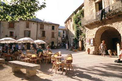 Languedoc property St Guilhem le Desert