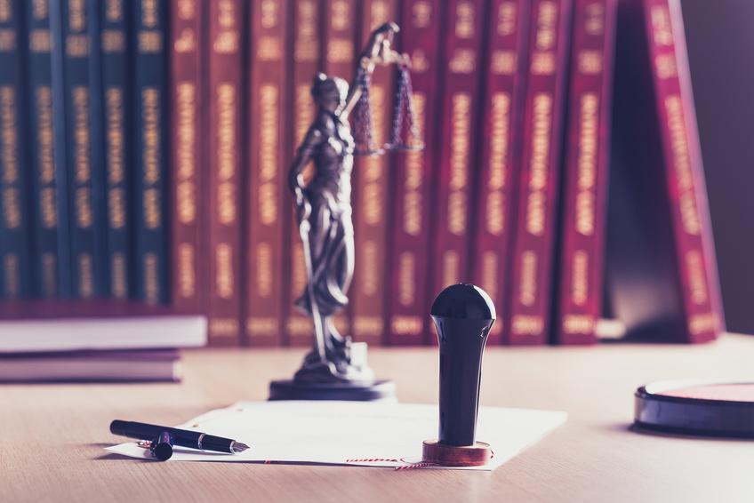 Notary and Notaire ©Djedzura