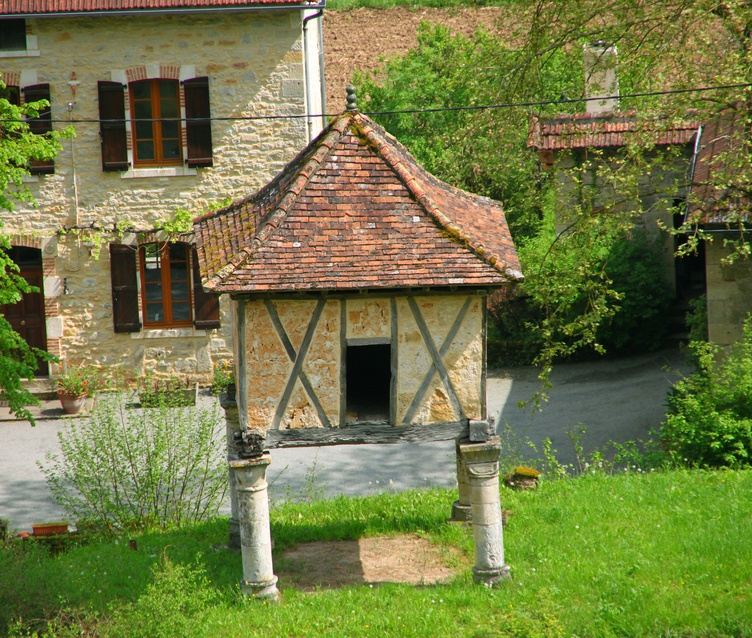 Pigeonnier, Larroque-Toirac, Lot, France