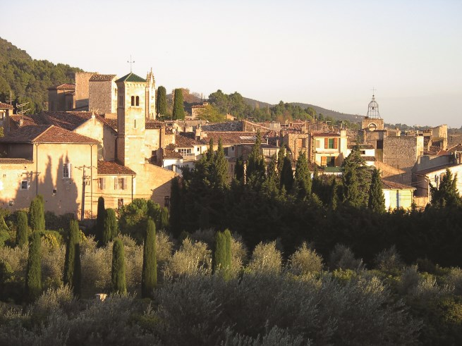 The view of the historic town of Aups, in the Alp's first foothills in provence