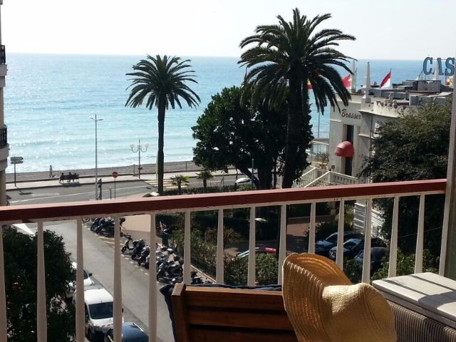 Menton centre, 3 bed apartment with super sea view