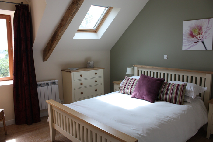 Spacious bedroom in Le petit camus, brittany