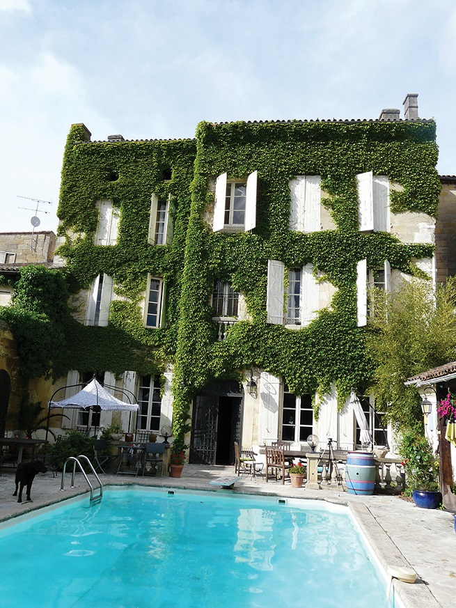 exterior shot of Chez Castillon, Janie Millman and Mickey Wilson property in Gironde