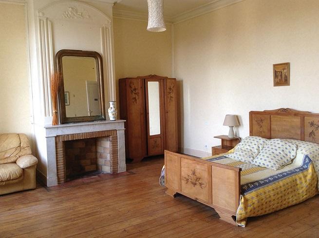 inside Chez castillon, Janie Millman and Mickey Wilson homes in Gironde