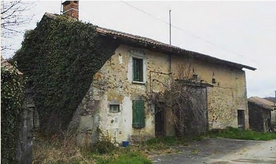 two bed property in France dating back to the 1700's