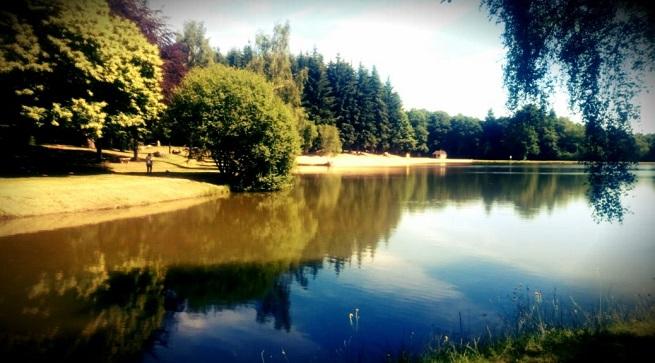 La Coterie Lodge near lake
