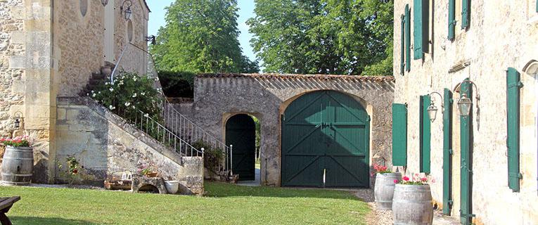 Villas in Aquitaine beautiful garden