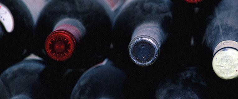 wine tasting in Aquitaine