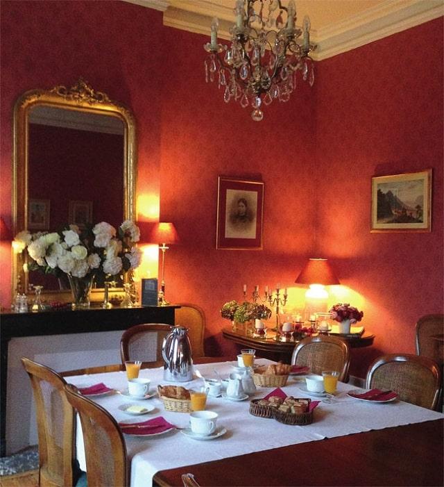 Girone dining room