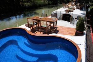 Alegria's on deck pool on the Canal du Midi