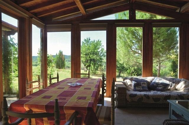 Pachauzi conservatory