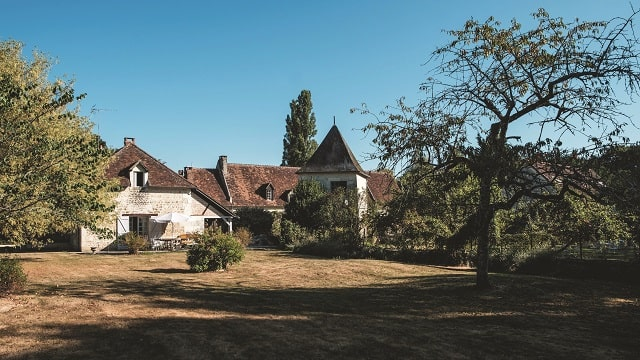 The manoir nestled in the extensive grounds with two gites including Le Pigeonnier