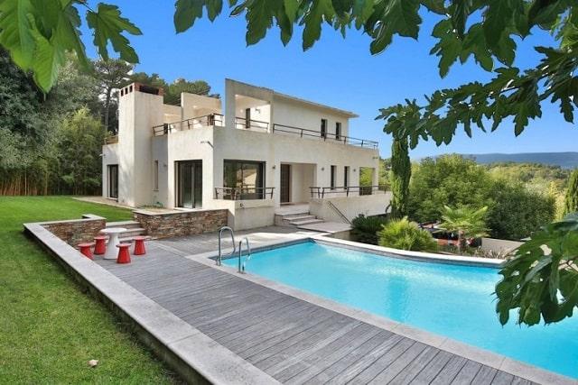 Exquisite Contemporary Villa in Provence
