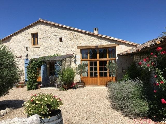 Successful gite business in Gironde