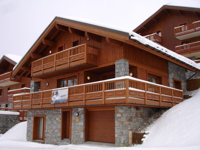 Rare opportunity: A brand new detached ski chalet in the Alps