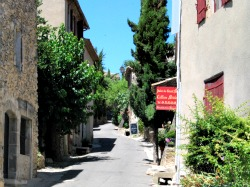 Discover the Dream-like Alpilles Villages