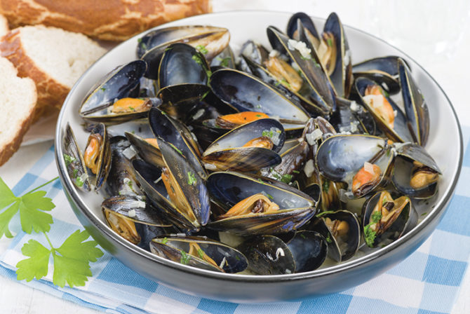 French summer seafood: moules marinières