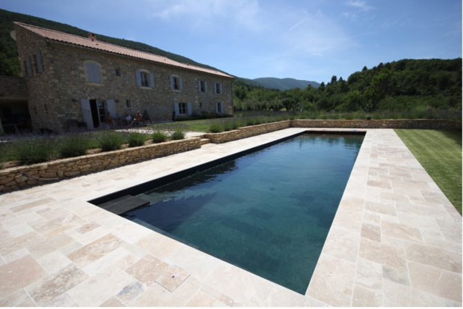 Why should I choose a fibreglass swimming pool?