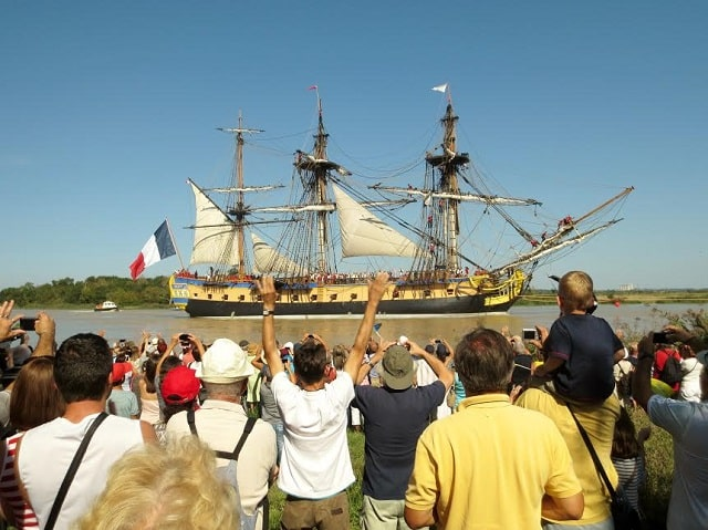 The Hermione Sets Sail in Charente
