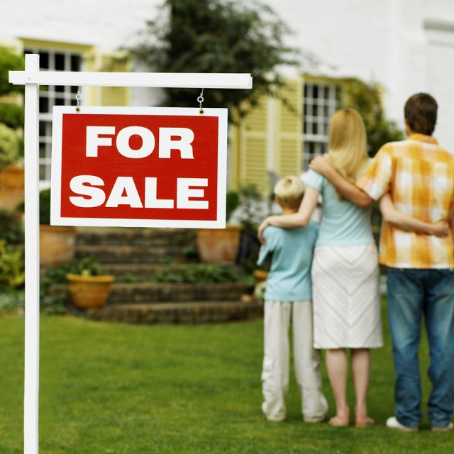How can I make sure that the price agreed for the property I found is not affected by the exchange rate movements?