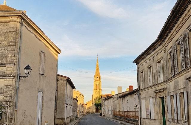 Life in the Slow Lane – Buying in Saint-Yzans-de-Médoc