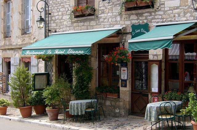 Covid-19 in France: bars, cafés and restaurants to reopen