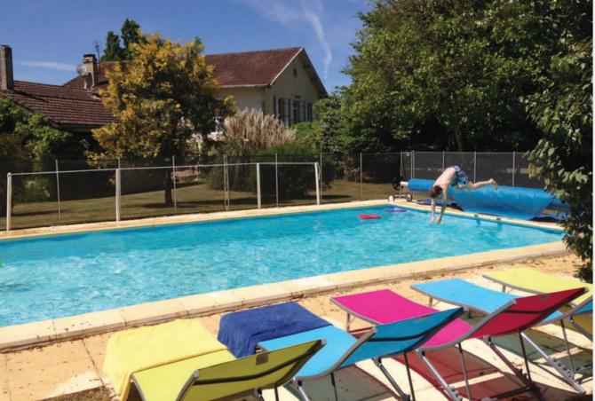 Loving the Rural Life in Gironde