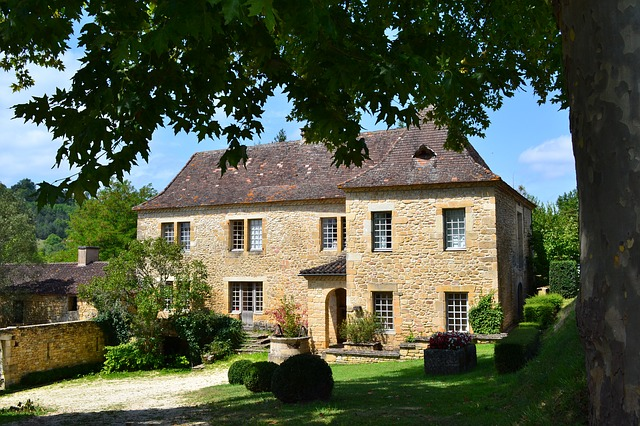 Your French Property Search: Estate Agents and Private Sellers