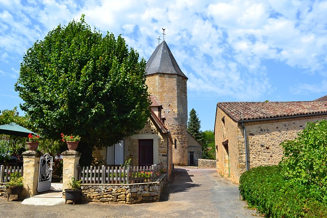 Which Type of French Property Should You Buy? Chateau, Gite, Farmhouse?