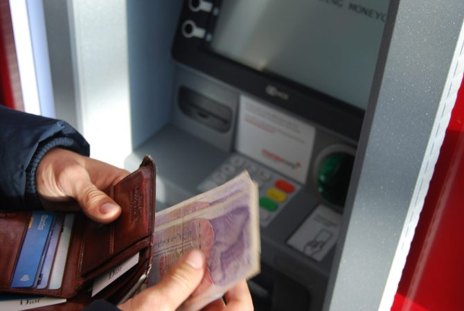 Managing Your French Bank Account: Withdrawals, Payments, Overdrafts